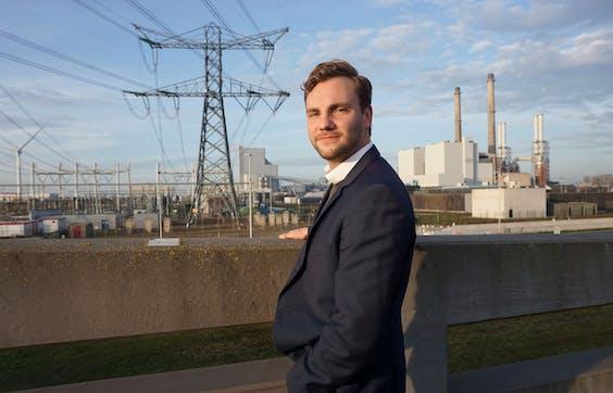 Jan van Dinther is energietransitie developer bij Siemens Nederland en Jong Haventalent 2021 van de Rotterdamse haven.