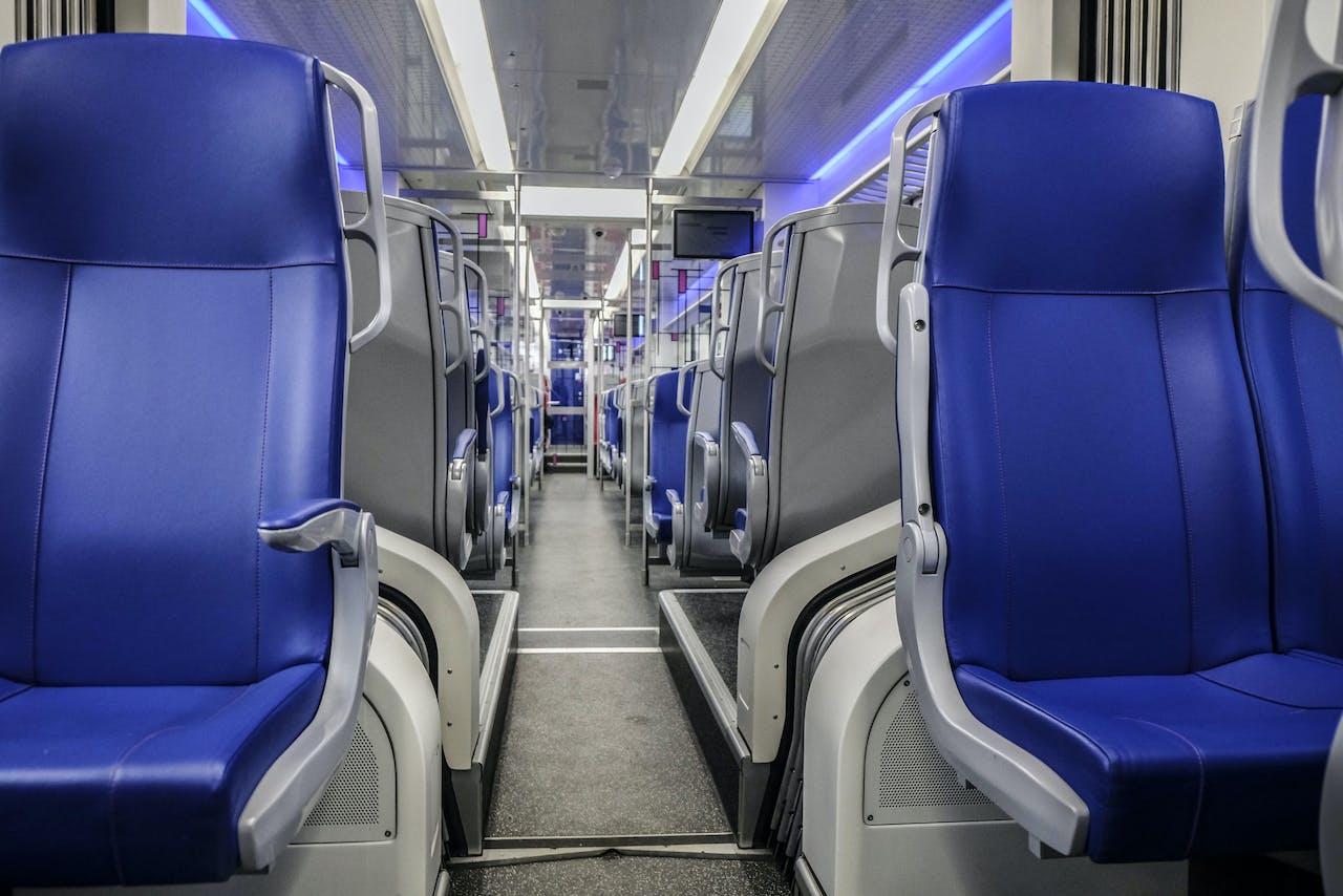 Een lege trein tijdens de coronacrisis.