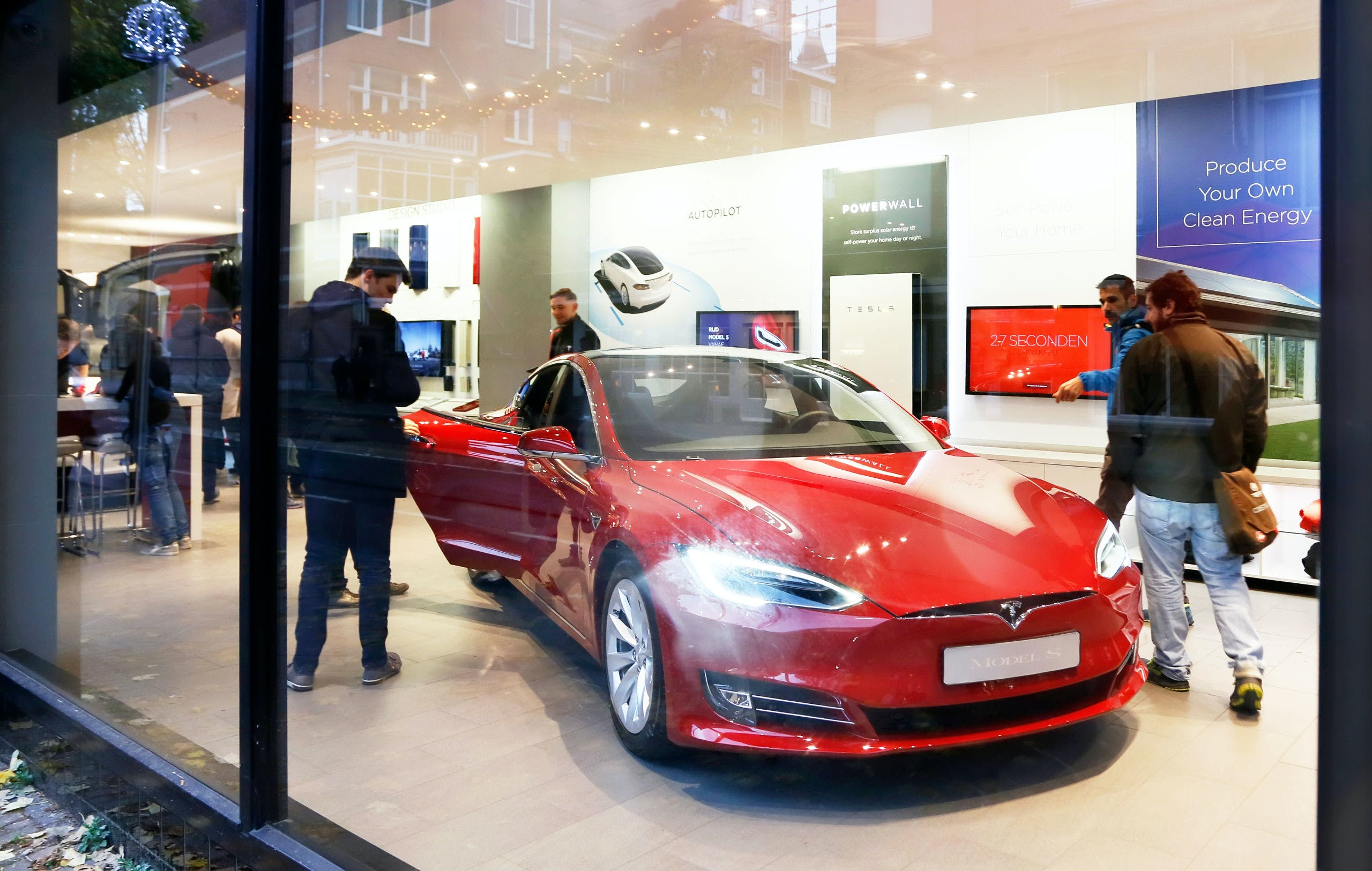 Aantal Volledig Elektrische Auto S Stevent Af Op Verdubbeling In