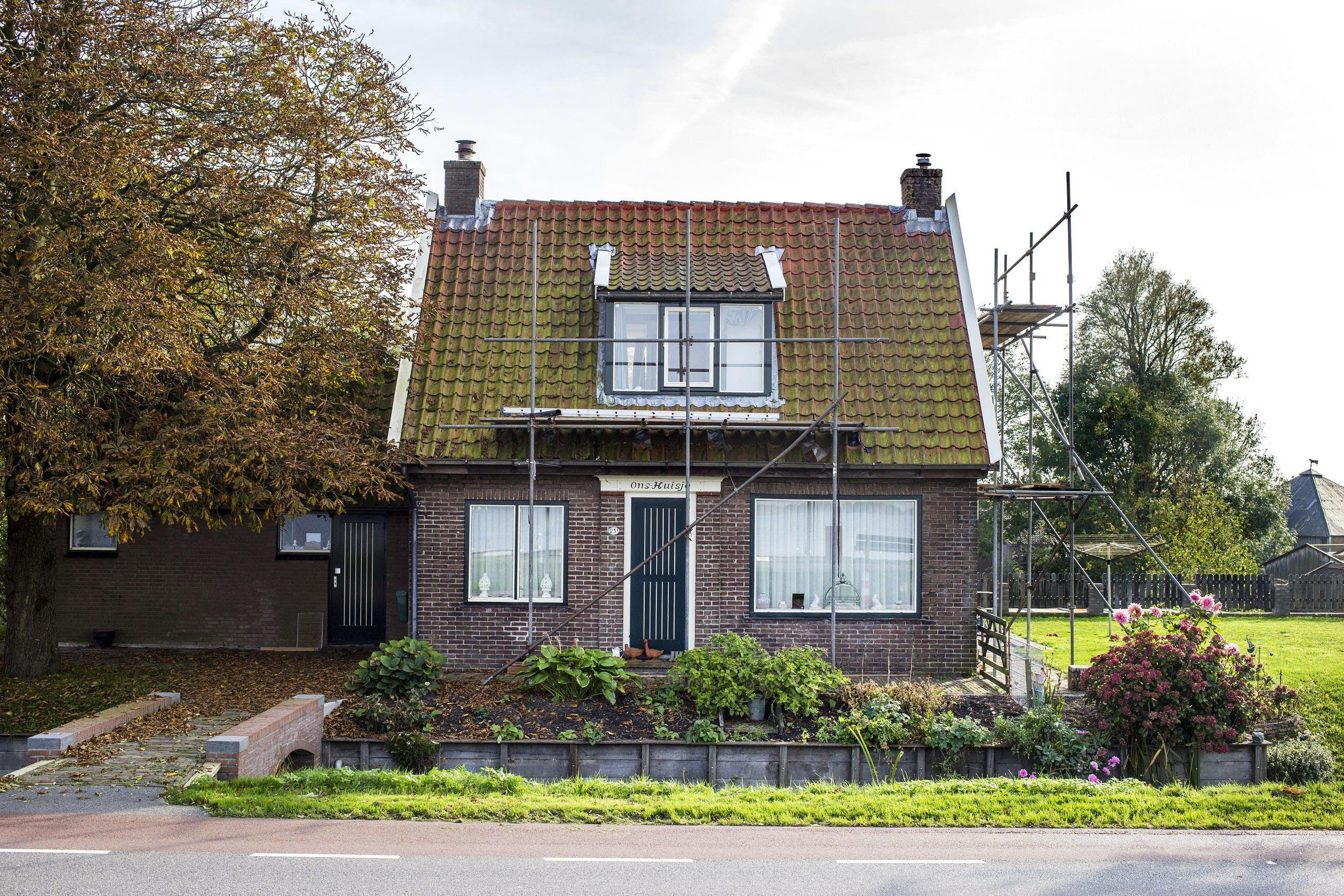 Nederland, Kudelstaart, 18-10-2017. Een woning aan het Westeinderplas. Het verduurzamen van de bestaande woningvoorraad is een grote opgave.